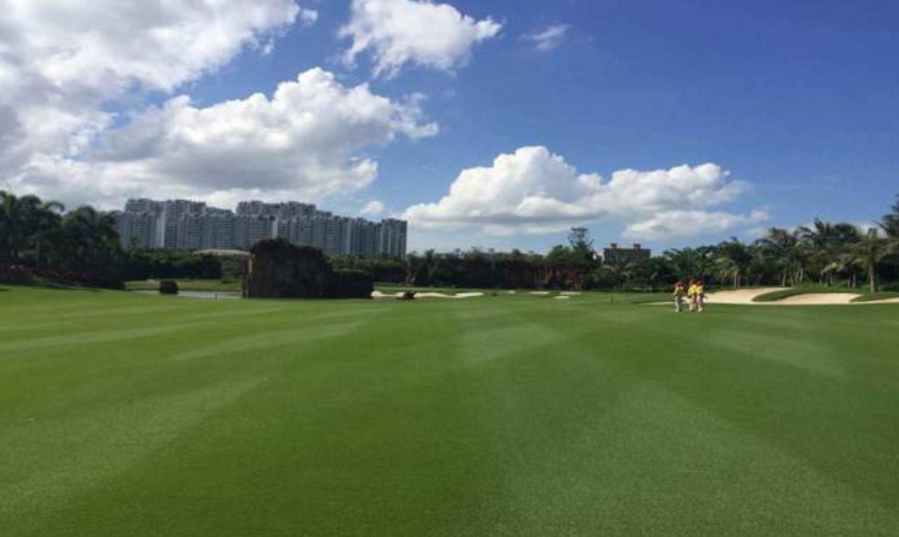热烈庆祝球包通成功携手 海口三公里国际高尔夫球会