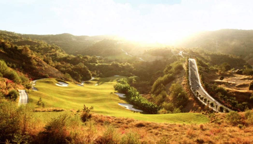 热烈祝贺球包通成功携手攀枝花红山国际高尔夫球会!