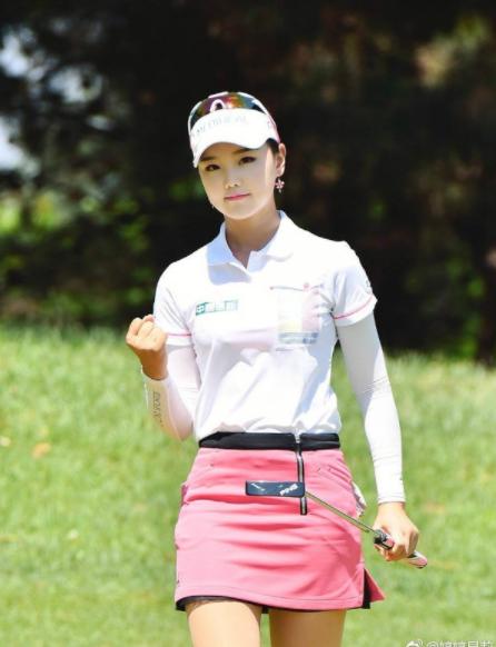 打高尔夫球最时尚的方式你知道是什么吗?