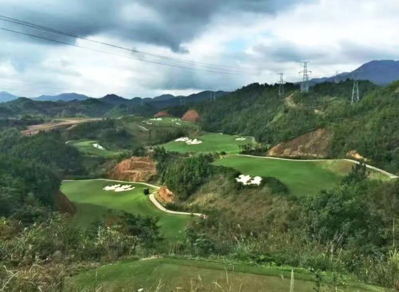 热烈祝贺球包通成功携手浏阳高尔夫乡村俱乐部!