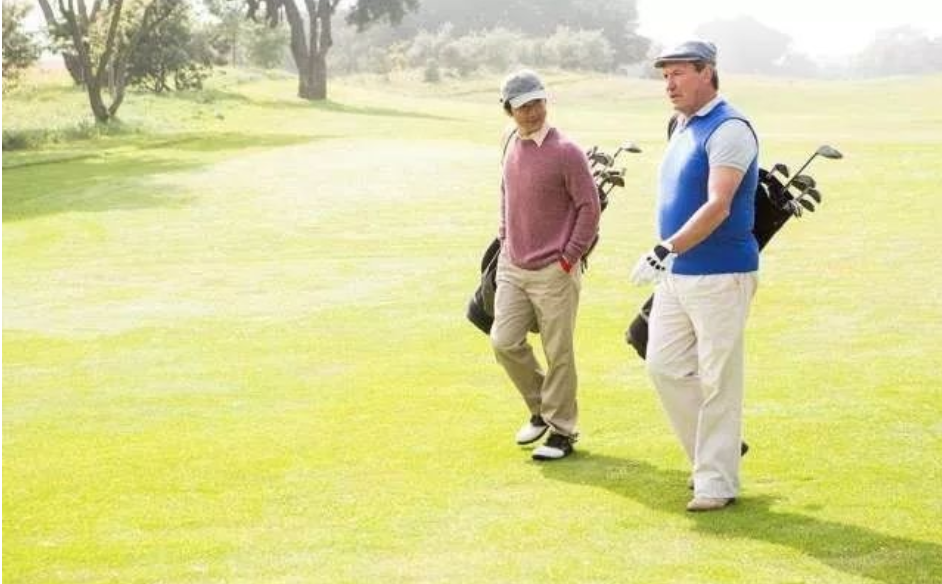 胖人打高尔夫最减肥的季节居然是冬季!