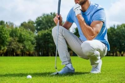一个高尔夫球高手,也是一个良好的婚姻经营者