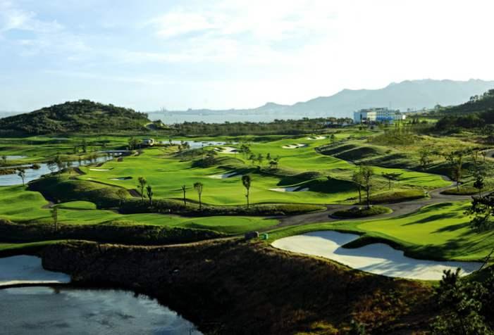 高尔夫球场会员制与日收费,你更喜欢哪一种?